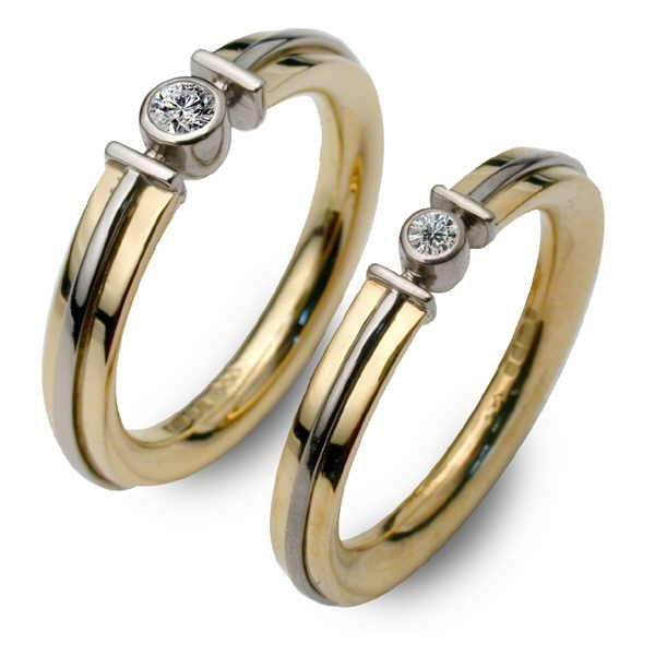Two Apollo rings in gold and diamonds