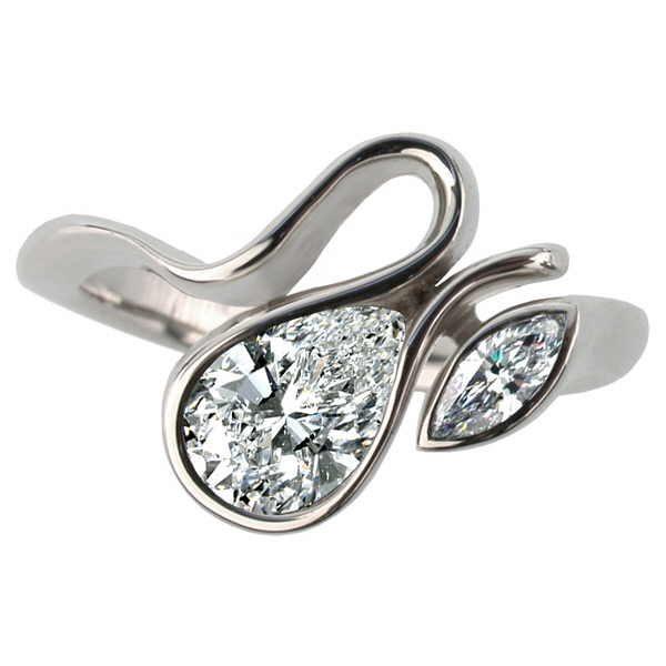 calypso pear diamond ring white gold, top view