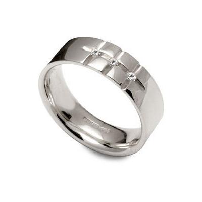 Large cross cut diamond ring