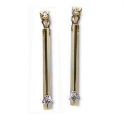 Diamond rain earrings in gold with trillion diamomonds