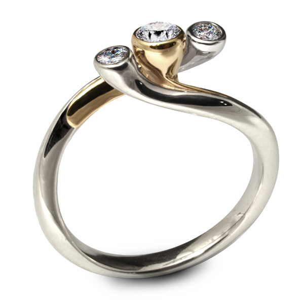 eris 3 diamond ring. side view