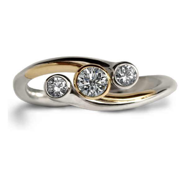 eris three diamond ring