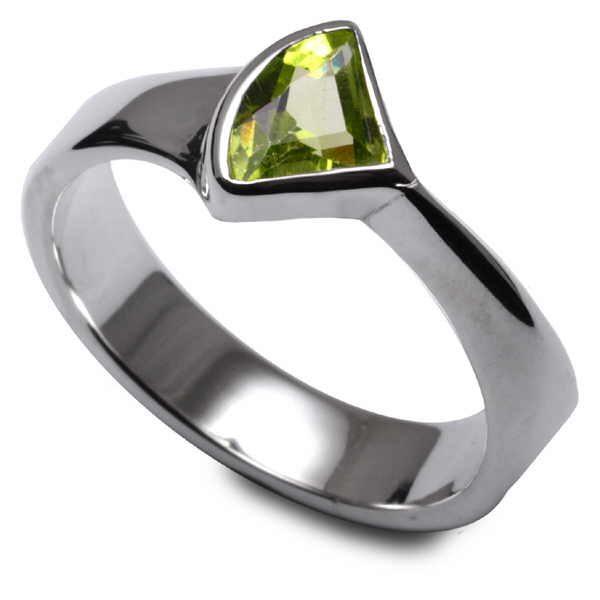Peridot Fan ring