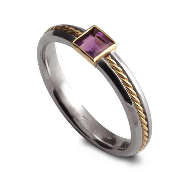 Princess twist ring in silver and amethyst with gold detail