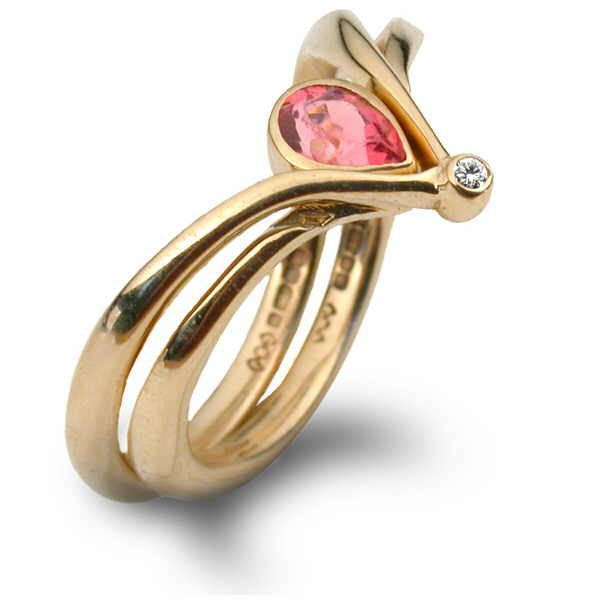 Pink sapphire Neptune ring in gold and diamond