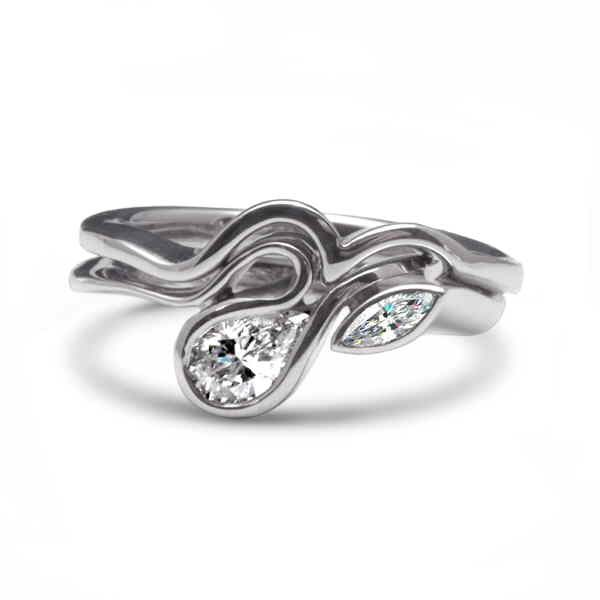 White gold calypso ring with diamonds