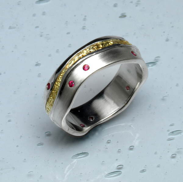 Golden river ring set with ruby