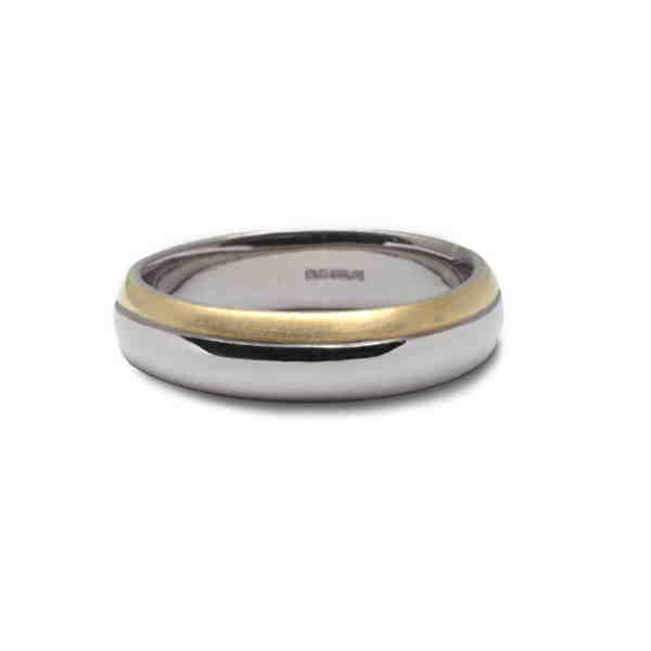Unusual 18ct gold wedding band