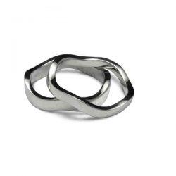 Wavy stacking rings
